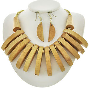 Natural Wood drops Chunky Necklace Earring Set